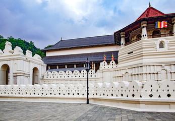 ダラダー・マーリガーワ寺院