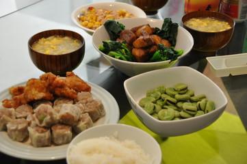 夕飯の食卓