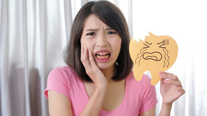 woman with tooth decay problem