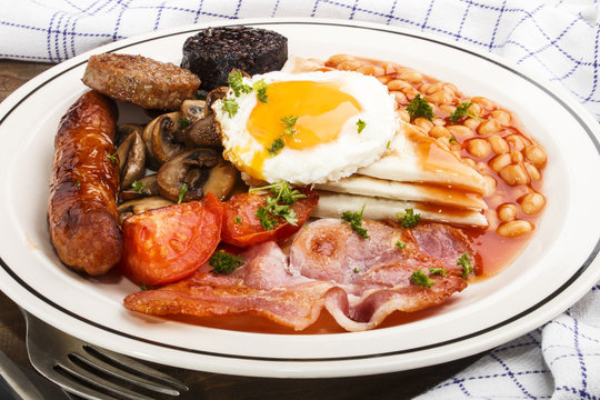 ulster fry, traditional northern irish breakfast, on a plate
