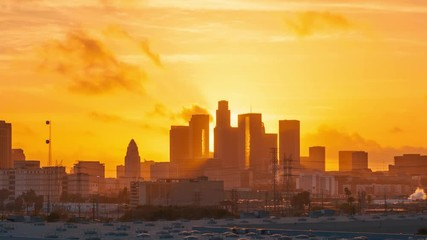 Fotobehang - Sunset to night city view of downtown Los Angeles skyline. 4K UHD timelapse