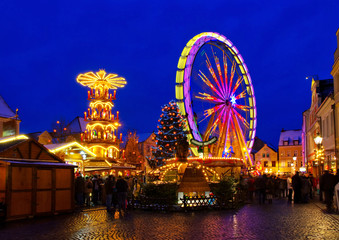 Cottbus Weihnachtsmarkt - Cottbus christmas market by night