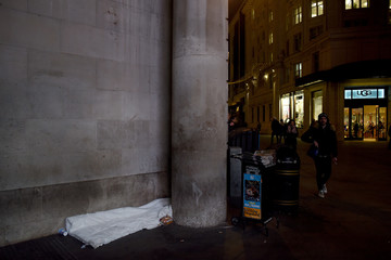 The Wider Image: Homelessness: Christmas on the streets of London