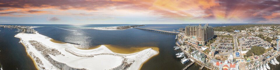 Foto op Canvas Panoramic aerial view of Destin, Florida at sunset