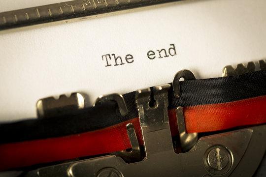 """Macchina da scrivere """"The end"""""""