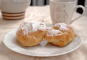 Very tasty pastry cakes with cottage cheese cream