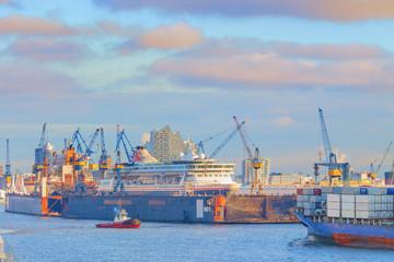 Hamburg Hafen und Elbphilharmonie II