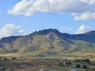 Sax. Pueblo de Alicante en la Comunidad Valenciana, España  perteneciente históricamente a la Corona de Castilla. Está situado en la comarca del Alto Vinalopó