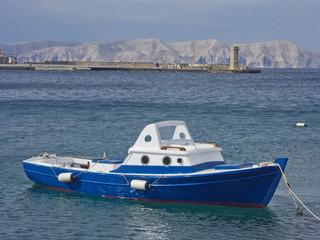 Fischerboot an der kroatischen Küste
