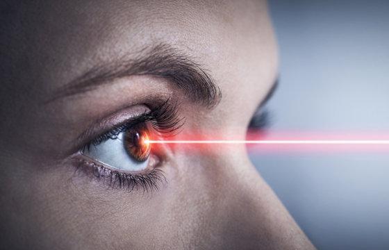 Therapie mit Laser am Auge