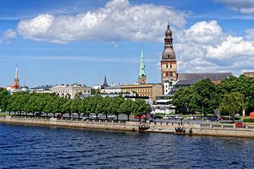 Panorama Riga mit Blick auf Dom und St. Jakobs-Kathedrale, Lettland