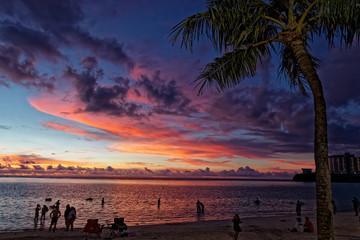グアム タモン湾の夕焼け