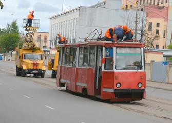 breakage of tram wires on the way, repair