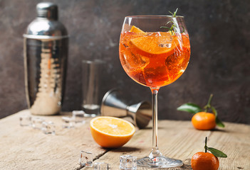 Tuinposter Cocktail Aperol spritz cocktail