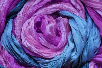 Ultrafioletowy błękitny jedwab / ultrafioletowy błękitny jedwab jako abstrakcjonistyczny tło.