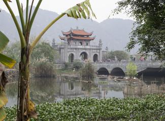 ninh binh, tam coc, bich dong pagoda, hoa lu,