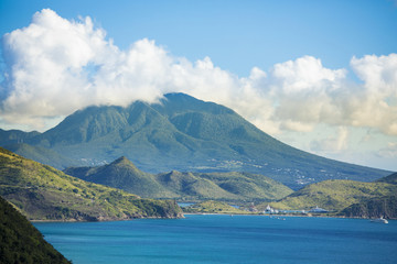 Fotorolgordijn Eiland View of the island of Nevis from the South end of St Kitts