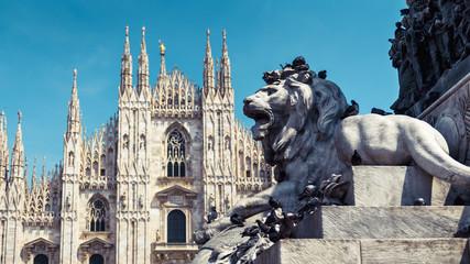 Fototapete - Piazza del Duomo in Milan, Italy