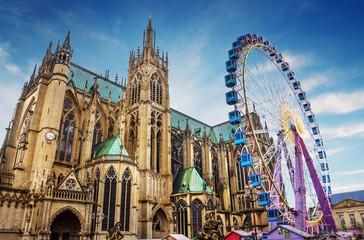 Ville de Metz - Cathédrale avec Marché de Noël et grande Roue