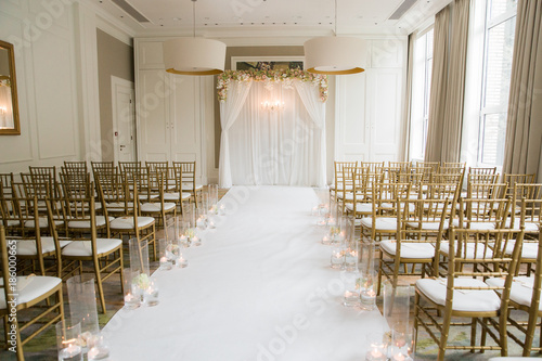 """Elegant Indoor Wedding Ceremony Set Up"" Photo Libre De"