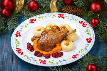 roasted turkey leg with pumpkin puree