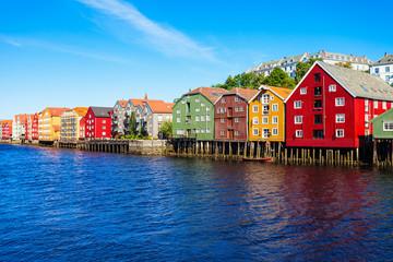 Foto auf Leinwand Skandinavien Colorful old houses, Trondheim