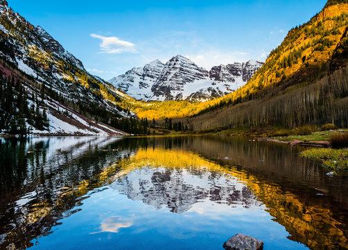 Maroon Bells peak at Maroon Lake, Aspen, Colorado at sunrise