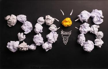 Papierkugeln mit der Zahl 2018, kreatives Neues Jahr 2018