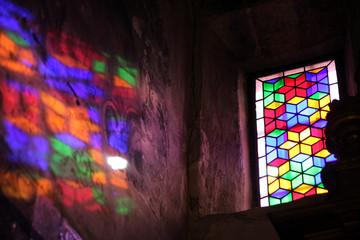 Buntglasfenster in der Santa Ana Kirche Triana