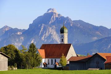 Germany, Bavaria, Swabia, Allgaeu, East Allgaeu, Mariahilfkirche in Speiden, Säuling in the background