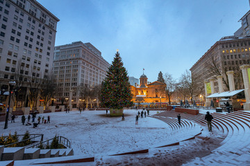 Pioneer Courthouse in Pioneer Square with Christmas tree