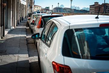 Automobili parcheggiate, Posteggio auto, parcheggio pubblico in cittˆ