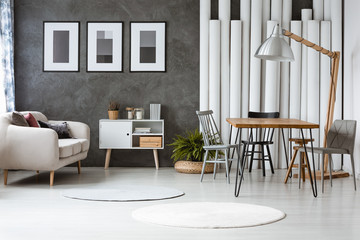Flat with wooden hairpin table