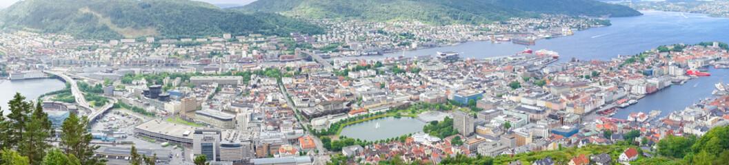 Stadtpanorama von Bergen vom Aussichtspunkt Floyen, Norwegen
