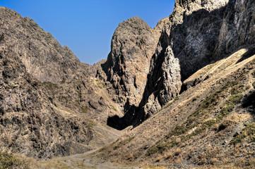 """Felsformation in der """"Geierschlucht"""", einem Canyon in der Mongolei"""