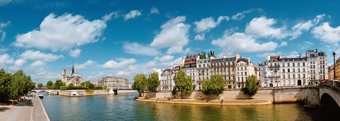 Fototapete - Paris, river Seine with Notre-Dame cathedral in Spring