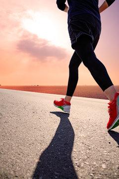 ジョギングを楽しむ人