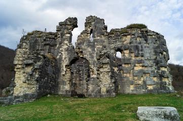 Бзыбский храм, X век, Абхазия, главное здание.