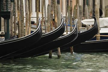 Türaufkleber Gondeln Gondolas moored in a typical venetian canal - Venice, Italy