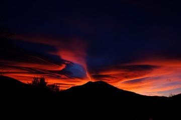 Nubi lenticolari al tramonto