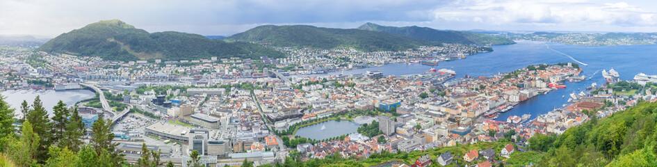 Panorama der Stadt Bergen vom Aussichtspunkt Floyen, Norwegen
