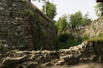 Photo sur Plexiglas Fortification Ruins of historical fortress in Srebrna Gora, Poland. Stone wall of fort Festung Silberberg built in 18th century by Prussian King Frederick II.