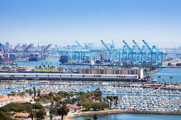Long Beach marina and shipping port at sunny day Fotomurales