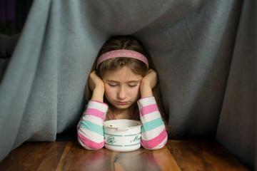 Fototapeta Chora dziewczynka obraz