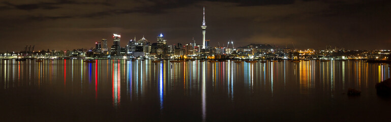 Photo sur Plexiglas Océanie Panoramic view of Auckland city by night