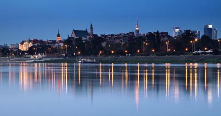 panorama Warszawa wczesnym świtem