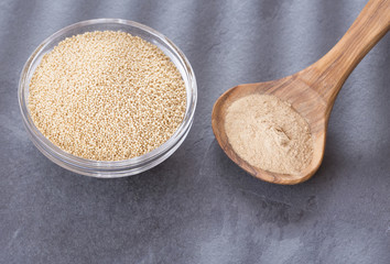 Amaranth seeds and flour - Amaranthus