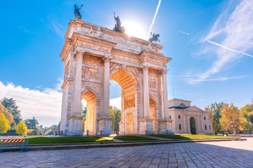 Fototapeten Milan Arch of Peace, or Arco della Pace, city gate in the centre of the Old Town of Milan in the sunny day, Lombardia, Italy.