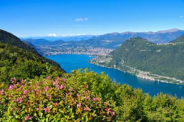 Luganersee in den Alpen  - Lake Lugano in Alps