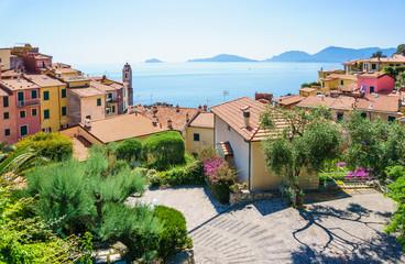 Spoed Foto op Canvas Liguria Tellaro village panoramic view of beautiful colorful mediterranean houses, Lerici, La Spezia, Italy.